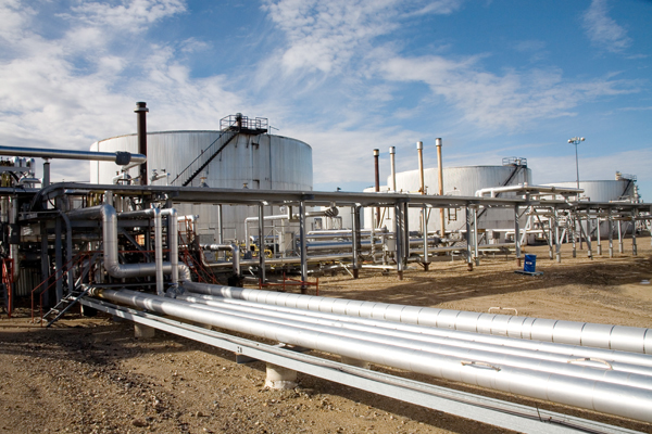 Pipelines and storage at the Lloydminster Asphalt Refinery